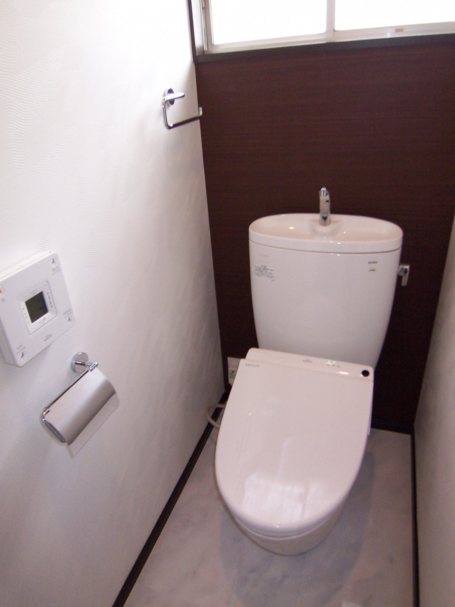 トイレ001