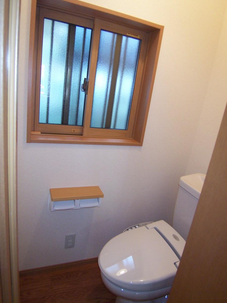 トイレ007
